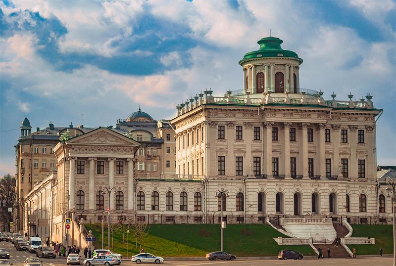Дом Пашкова в Москве. Автор24 — интернет-биржа студенческих работ