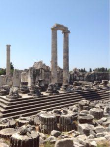 Храм Аполлона в Дидимах. Автор24 — интернет-биржа студенческих работ