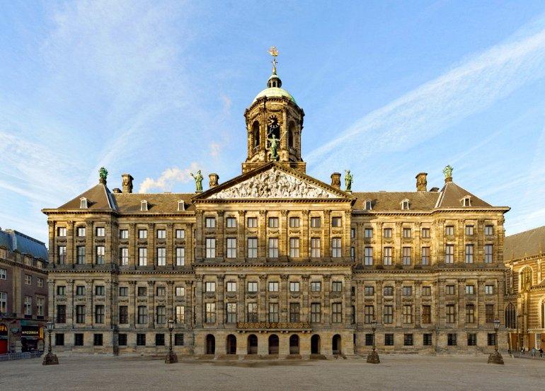 Новая ратуша в Амстердаме. Автор24 — интернет-биржа студенческих работ